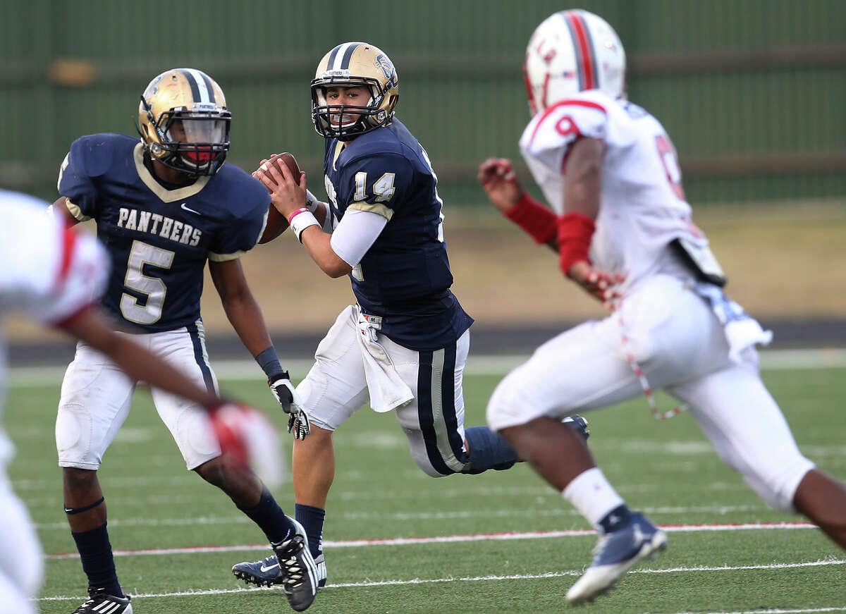 27-5A: O'Connor quarterback Zach Galindo (14) had a stellar junior season.