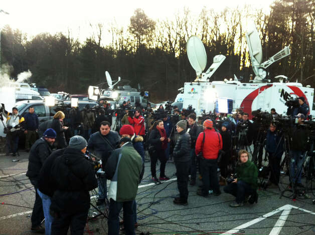 Media gather at Treadwell Park in Newtown, Conn. for a press briefing by State Police Lt. Paul Vance on Saturday, Dec. 15, 2012. Photo: Michael Duffy / The News-Times