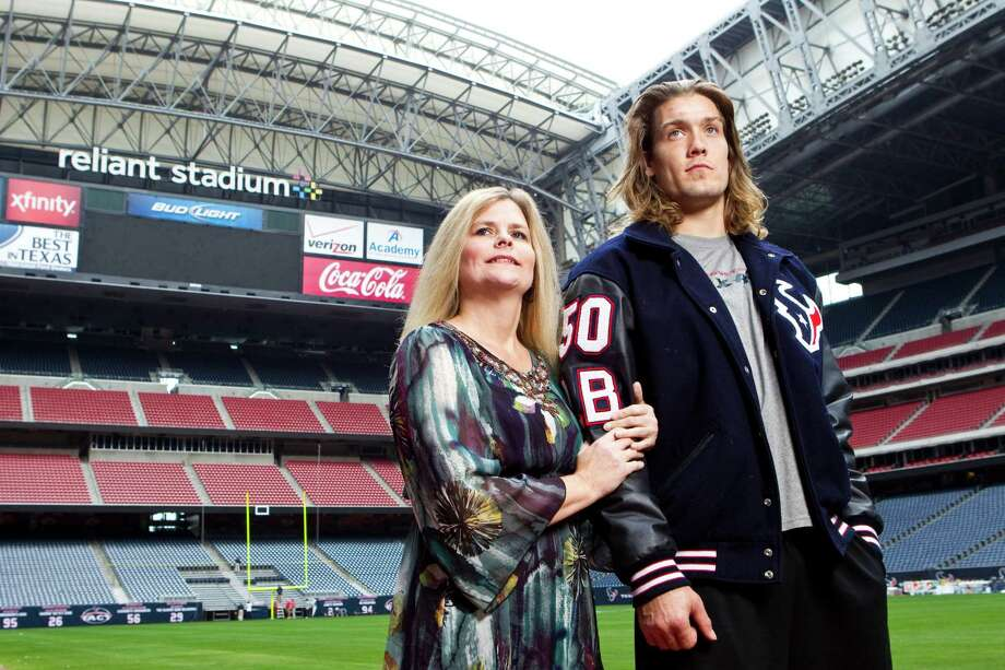 Considering the long, difficult road they have traveled together, Texans linebacker Bryan Braman and his mother, Tina Braman-Fields, left, get choked up just by the sight of Reliant Stadium and the realization it has become Braman's office. Photo: Nick De La Torre, Staff / © 2012  Houston Chronicle