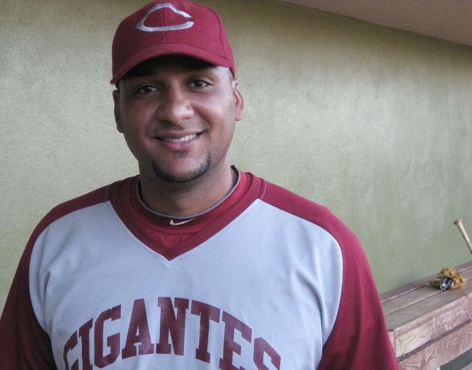 Astros catcher Carlos Corporan on Tuesday at Estadio Francisco Montaner in Ponce. Corporan played for Gigantes de Carolina, which defeated Leones de Ponce 3-1 in a Puerto Rico winter league game.  (Brian T. Smith/Houston Chronicle)