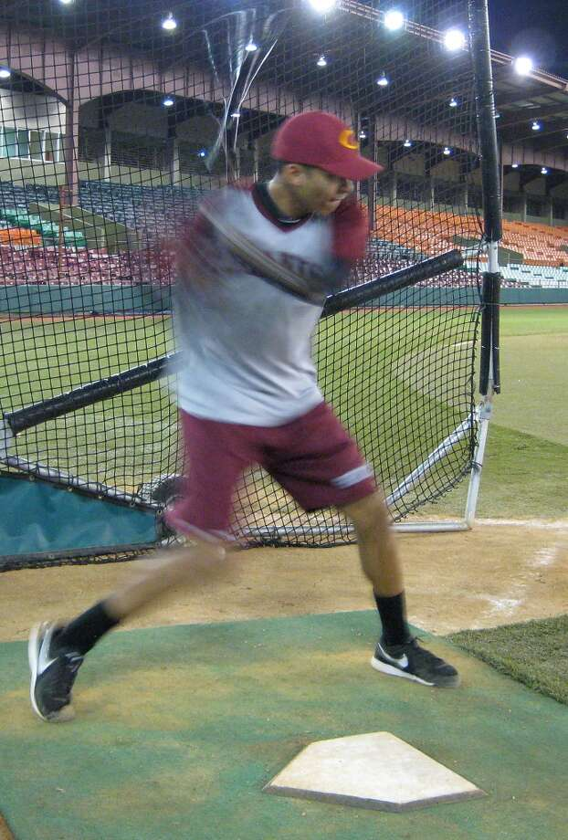 Astros shortstop Carlos Correa swings Tuesday during batting practice at Estadio Francisco Montaner in Ponce, Puerto Rico. Correa played for Gigantes de Carolina, which defeated Leones de Ponce 3-1 in a winter league game.  (Brian T. Smith/Houston Chronicle)