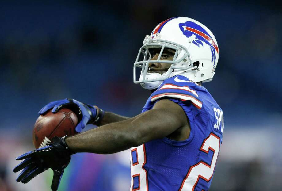 Buffalo Bills running back C.J. Spiller (28) warms up before an NFL football game against the Seattle Seahawks on Sunday, Dec. 16, 2012, in Toronto. Photo: AP