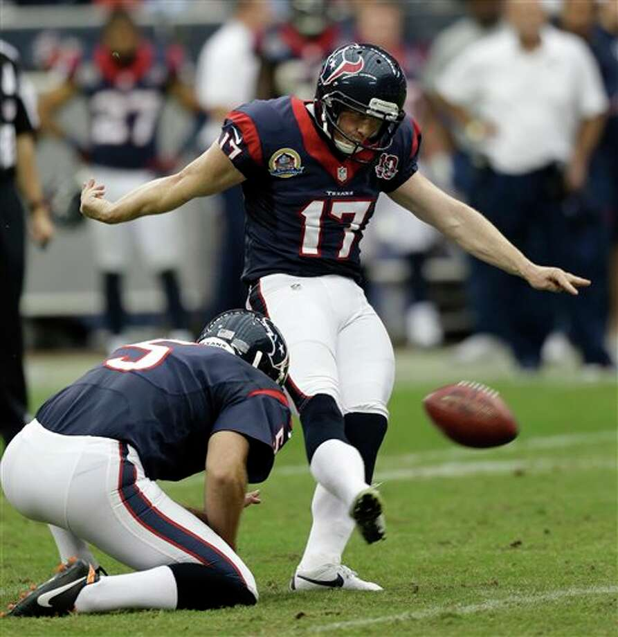 Houston Texans' Shayne Graham (17) kicks a field goal against the Indianapolis Colts as Donnie Jones (5) holds in the fourth quarter of an NFL football game on Sunday, Dec. 16, 2012, in Houston. Houston won 29-17 and Graham kicked five field goals. (AP Photo/Eric Gay) Photo: Eric Gay, Associated Press / AP