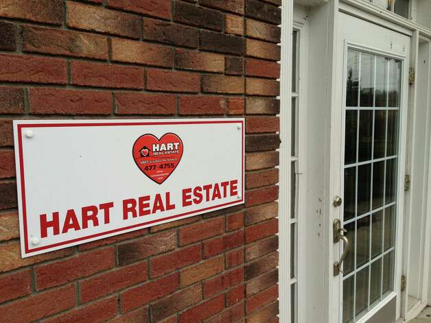A view of Hart Real Estate, seen here on Columbia Turnpike on Sunday, Dec. 16, 2012 in Castleton, NY.  State Police are investigating the stabbing death of a 33-year-old realtor who lived on Bri Lan Avenue, and have taken her estranged boyfriend into custody.  (Paul Buckowski / Times Union) Photo: Paul Buckowski