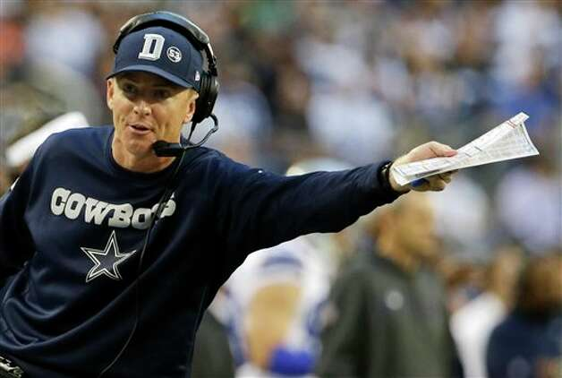 Dallas Cowboys head coach Jason Garrett gestures during the first half of an NFL football game against the Pittsburgh Steelers Sunday, Dec. 16, 2012 in Arlington, Texas. (AP Photo/Tony Gutierrez) Photo: Tony Gutierrez, Associated Press / AP