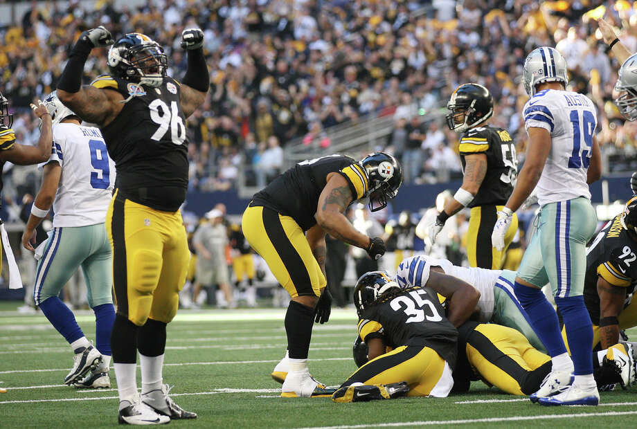 Pittsburgh Steelers' Ziggy Hood, (96), celebrates a fumble recovery during a first and goal for the Dallas Cowboys at Cowboys Stadium in Arlington, Texas, Sunday, Dec. 16, 2012. Photo: Jerry Lara, Express-News / © 2012 San Antonio Express-News