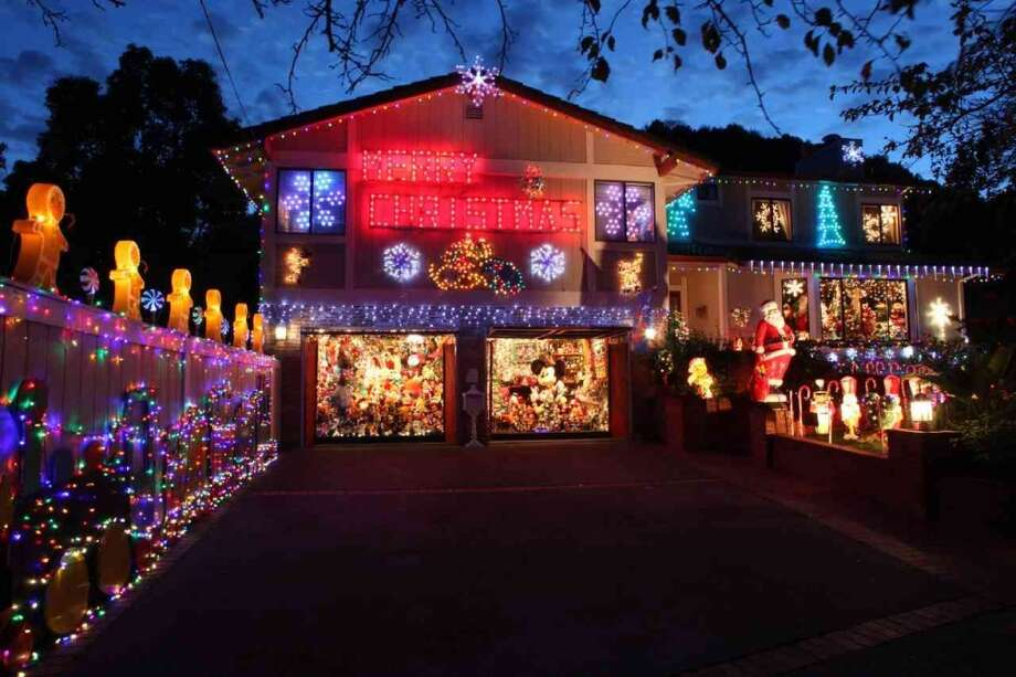 417 Blackstone Drive. San Rafael, CAFor 43 years Les and Patty Mizes have turned their house into an annual Christmas display. Dubbed, the Mickey Mouse Christmas House for its huge display of Disney memorabilia, and features over 200,000 lights. (lightsofthevalley.com)