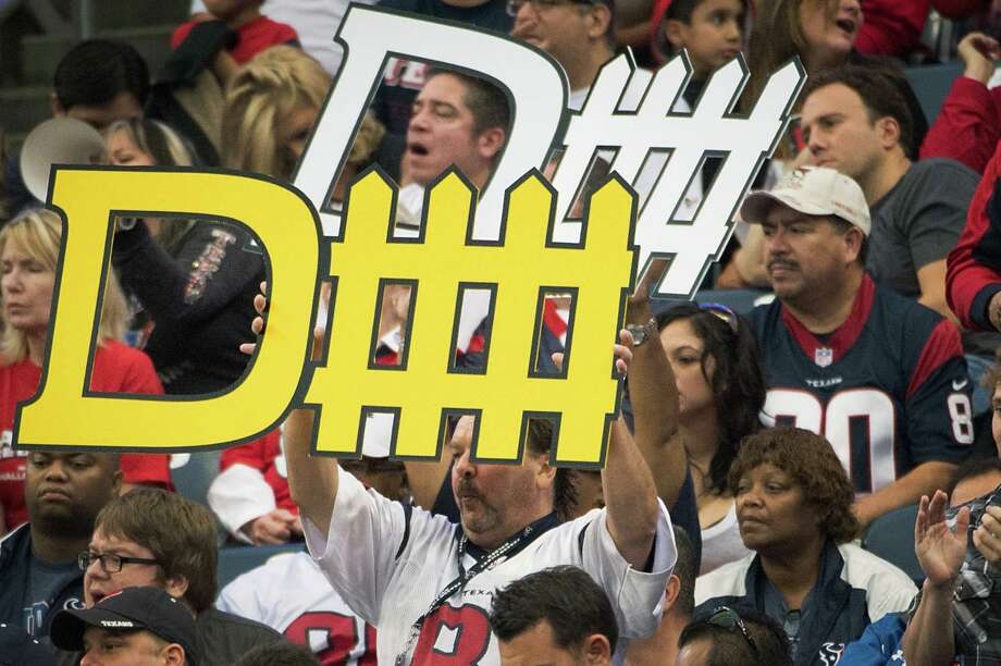 Texans fans cheer for their defense during the third quarter. Photo: Smiley N. Pool, Houston Chronicle / © 2012  Houston Chronicle
