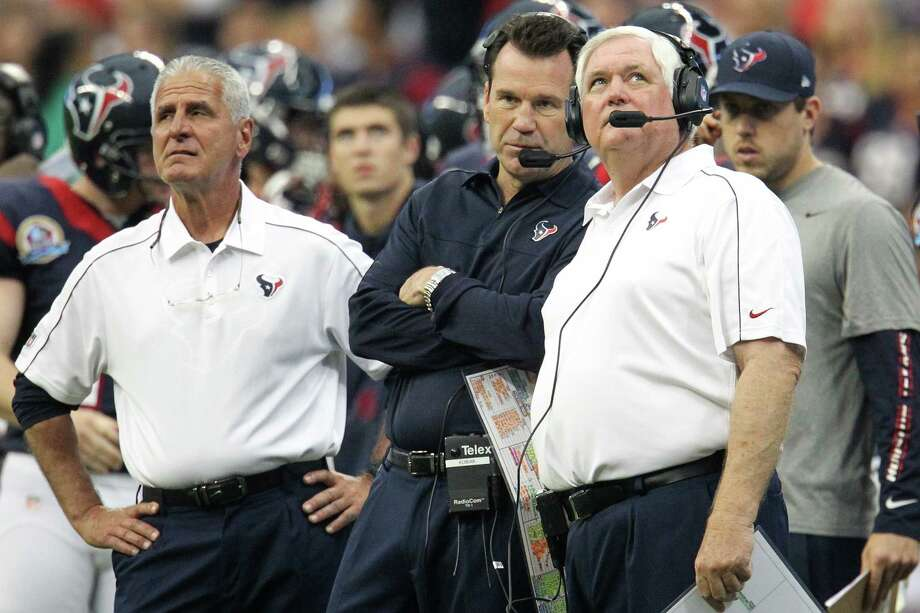 Texans head coach Gary Kubiak on the sidelines with Joe Marciano and Wade Phillips during the fourth quarter. Photo: Karen Warren, Houston Chronicle / © 2012 Houston Chronicle