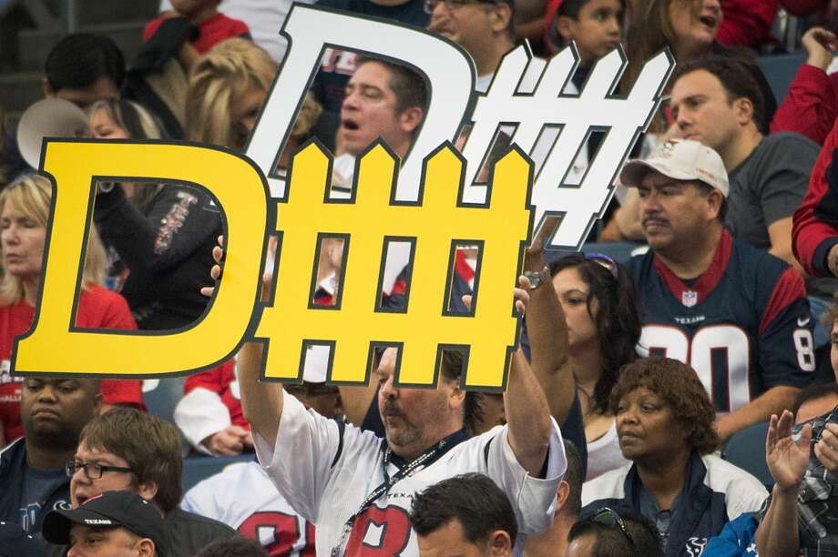 Texans fans cheer for their defense during the third quarter. (Smiley N. Pool / Houston Chronicle)