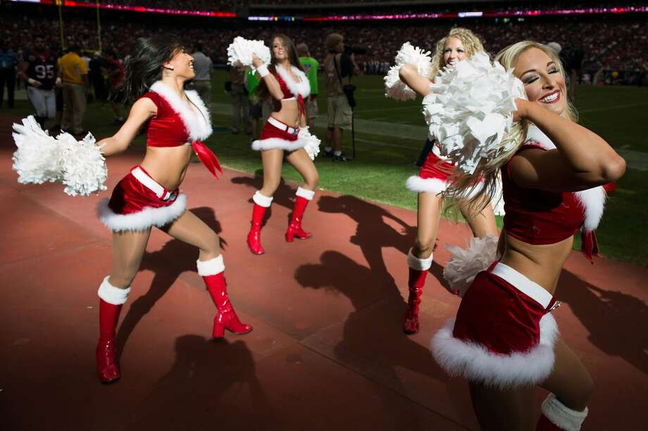 Texans cheerleaders perform during the third quarter. (Smiley N. Pool / Houston Chronicle)