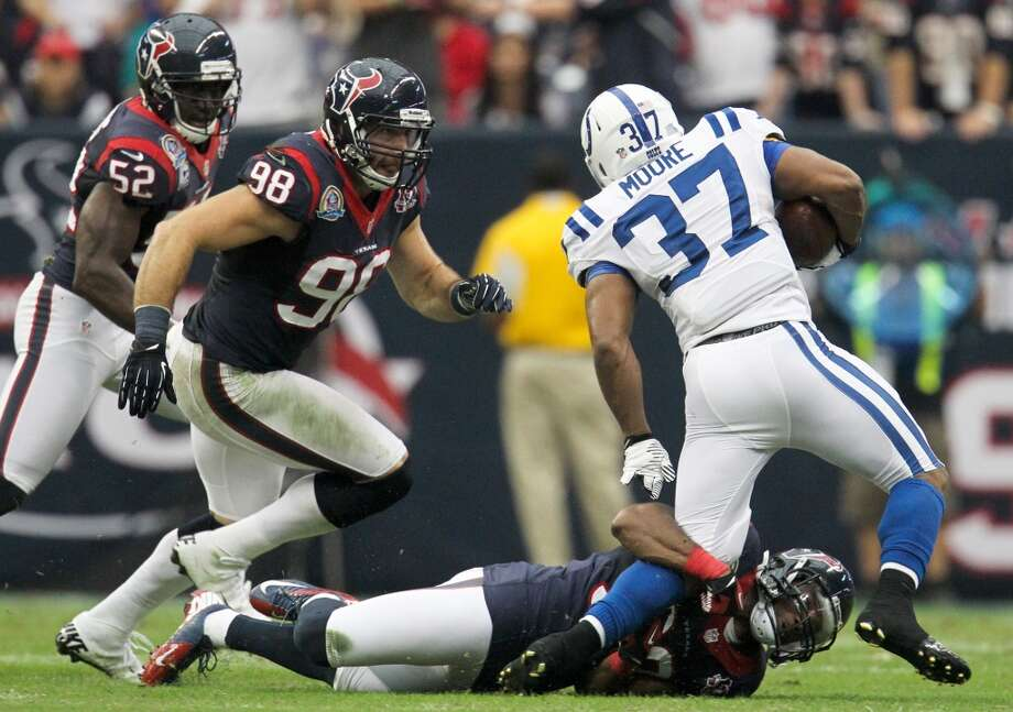 Texans free safety Danieal Manning (38) makes a  tackle on Colts running back  Mewelde Moore (37) during the second quarter. (Karen Warren / Houston Chronicle)