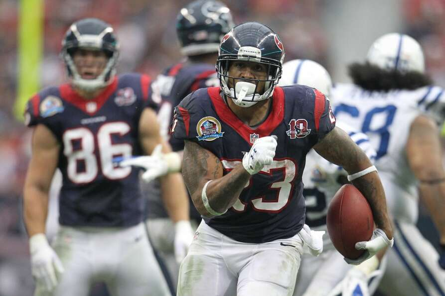 Texans running back Arian Foster finds running room during the fourth quarter. (Karen Warren / Houst