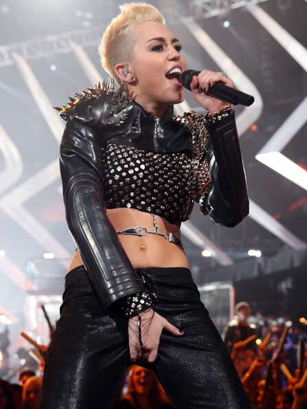 Singer Miley Cyrus performs onstage during VH1 Divas 2012 at The Shrine Auditorium on December 16, 2