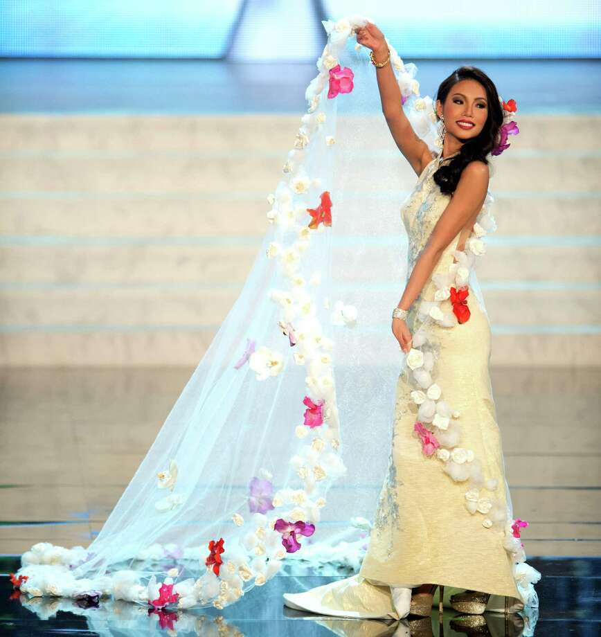 Miss Singapore 2012, Lynn Tan. Photo: Matt Brown, Miss Universe Organization / Miss Universe Organization
