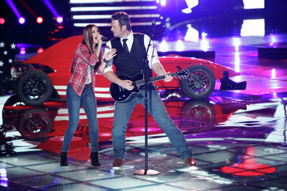 THE VOICE -- Live Show Episode 323A -- Pictured: (l-r) Cassadee Pope, Blake Shelton -- (Photo by: Tyler Golden/NBC) Photo: NBC, Tyler Golden/NBC / 2012 NBCUniversal Media, LLC
