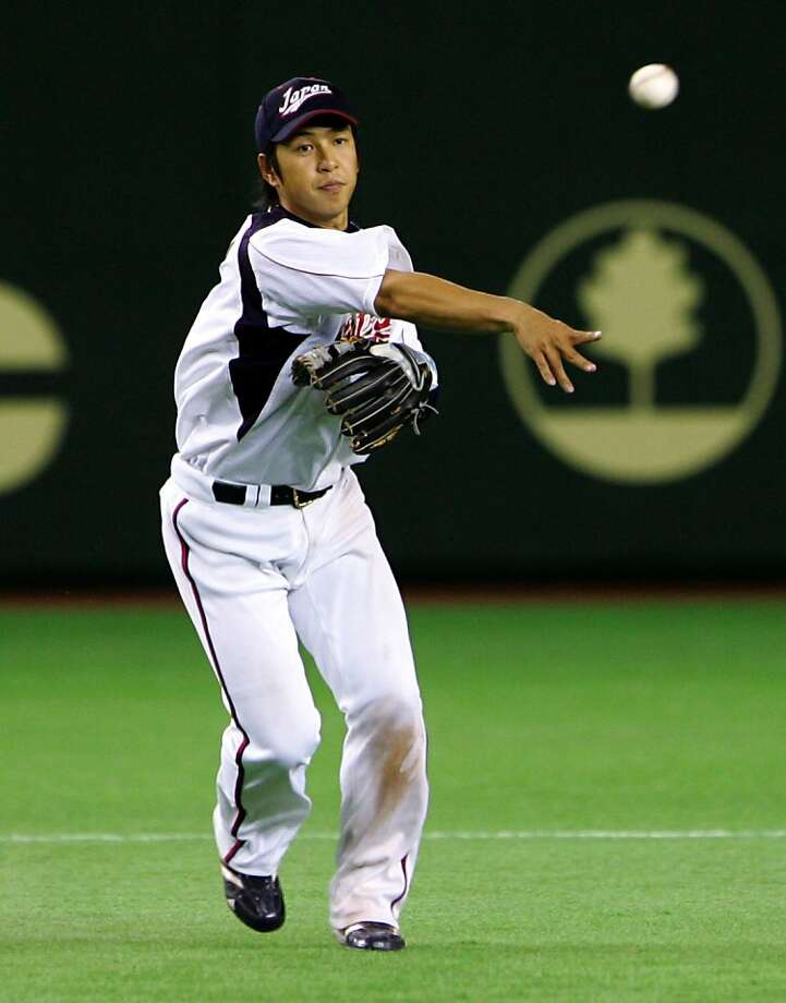 TOKYO - MARCH 05: Infielder Hiroyuki Nakajima #6 of Japan fields in the top of sixth inning during the World Baseball Classic Tokyo Round match between Japan and China at Tokyo Dome on March 5, 2009 in Tokyo, Japan. (Photo by Koji Watanabe/Getty Images) TOKYO - MARCH 05:  Infielder Hiroyuki Nakajima #6 of Japan fields in the top of sixth inning during the World Baseball Classic Tokyo Round match between Japan and China at Tokyo Dome on March 5, 2009 in Tokyo, Japan.  (Photo by Koji Watanabe/Getty Images) Photo: Koji Watanabe, Getty Images