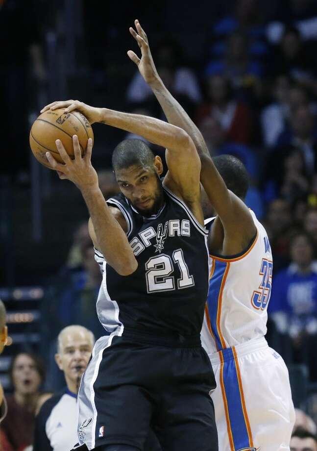 quarter of an NBA basketball game in Oklahoma City, Monday, Dec. 17, 2012. Oklahoma City won 107-93. (Sue Ogrocki / Associated Press)