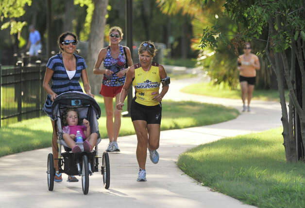 Two End of the World 5K are planned fro this weekend: one at Brackenridge Park and the other in Seguin. File photo Photo: ROBIN JERSTAD, SPECIAL TO THE EXPRESS-NEWS / Robin Jerstad 210-254-6552. All Right Reserved
