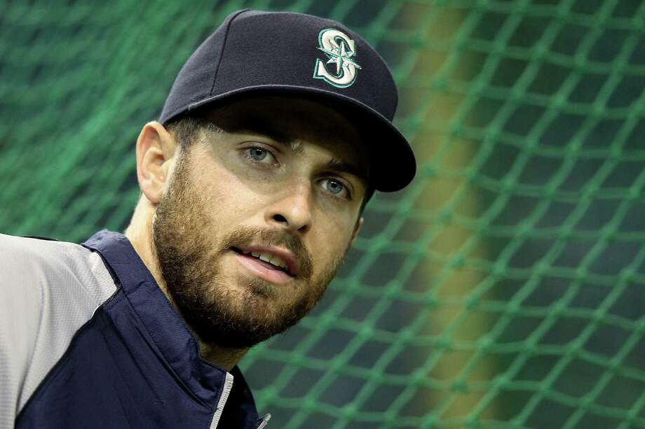 "4. Dustin Ackley -- Mariners second baseman""Southeast meets Northwest with this Bradley Cooper look-alike. Rugged beard and baby blues, topped off with a subtle Southern twang, makes for quite the hottie sundae."" Photo: Chris McGrath, Getty Images / 2012 Getty Images"