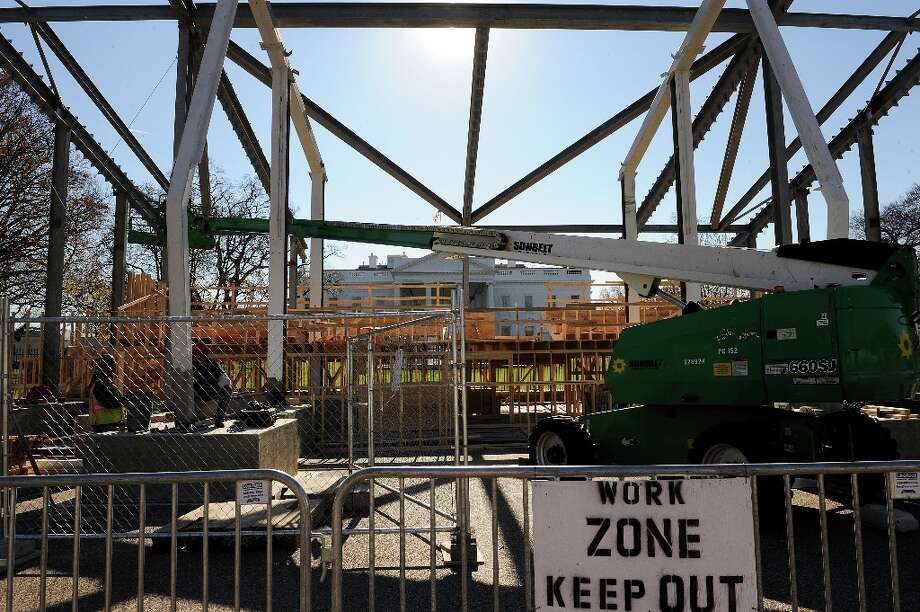 Preparations have started of a review stand in front of the White House for the presidential inauguration on November 26, 2012 in Washington, DC. The presidential inauguration will take place on January 21, 2013. Photo: Olivier Douliery, McClatchy-Tribune News Service / Abaca Press