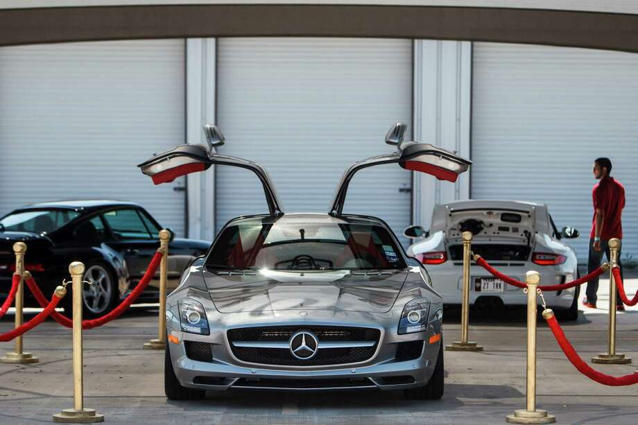 Mercedes-Benz SLS AMG CoupeTwo SeaterMiles Per Gallon: 15Green House Gas: 3Air Pollution: 5Total: 23 Photo: Michael Paulsen / © 2012 Houston Chronicle