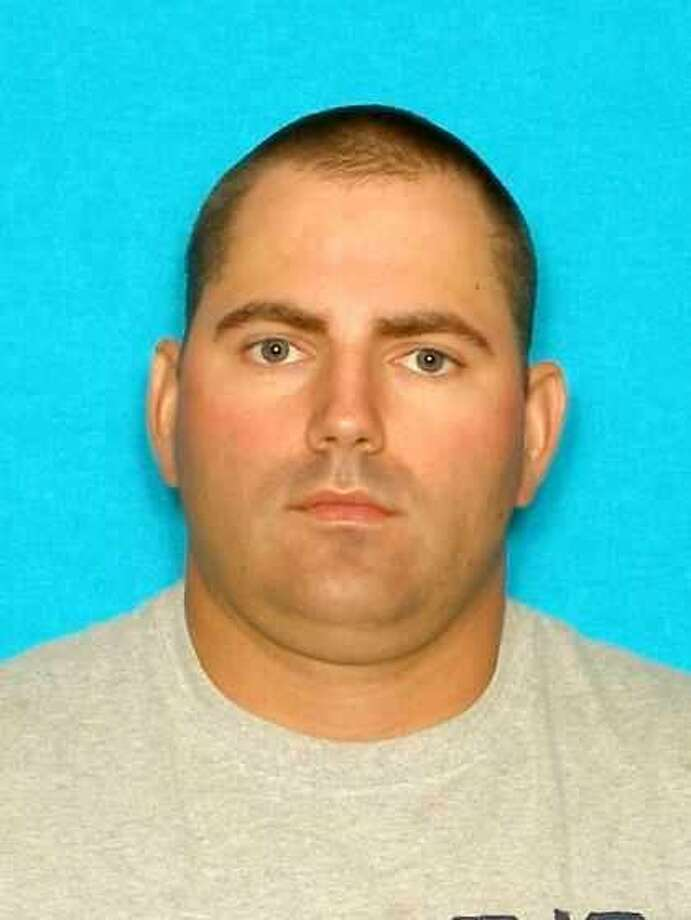 Hardin County Most Wanted, December 18, 2012 Kyle Dwayne Bruce, W/M, 34 Years of Age, Last Known Location:  2107 Alexander Rd. Silsbee, Texas, Wanted for:  Assault by Strangulation - Felony Photo: Hcso