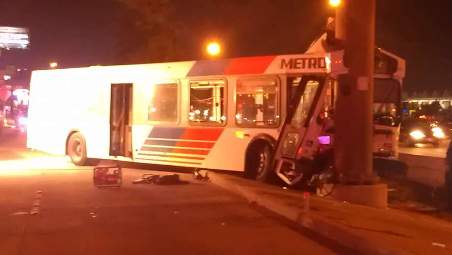 The driver was the only person on board the bus. (Mike Glenn/Chronicle)