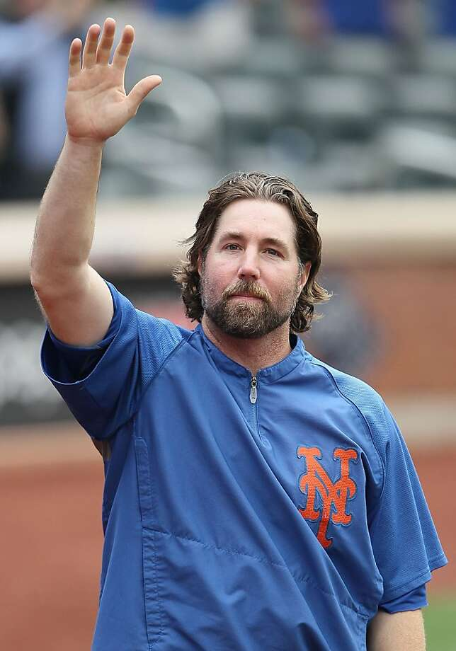 R.A. Dickey agreed to a three-year, $30 million contract with Toronto. Photo: Alex Trautwig, Getty Images