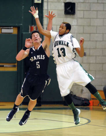 Boys basketball action between Norwalk and Staples in Norwalk, Conn. on Tuesday December 18, 2012. Photo: Christian Abraham / Connecticut Post