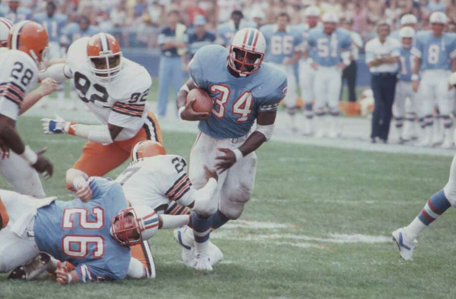 10/30/1983 -- #34 Earl Campbell  1983 Houston Oilers v. Cleveland Browns. Photo: Geary Broadnax, HP Staff / Houston Post Files
