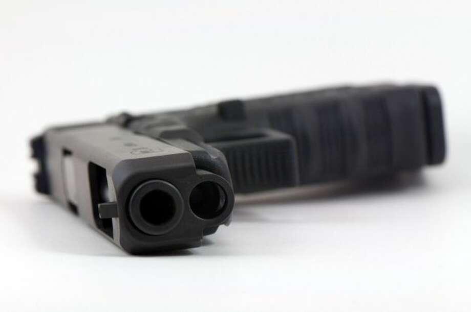 Pistol (Ubi Desperare Nescio, flickr.com)