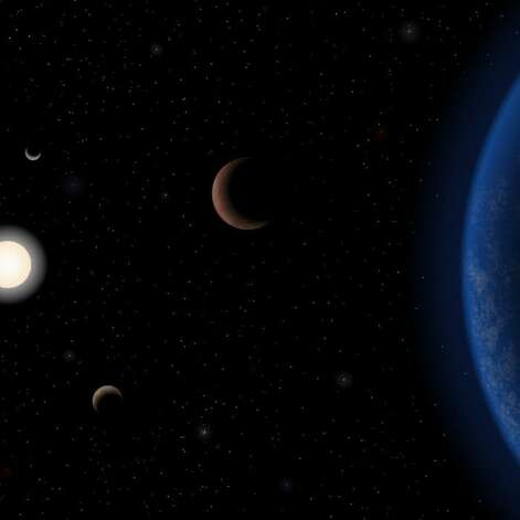 Artist's impression of five planets that orbit the star Tau Ceti, which is just 11.9 light-years from Earth. Photo: J Pinfield/RoPACS Network/University Of Hertfordshire