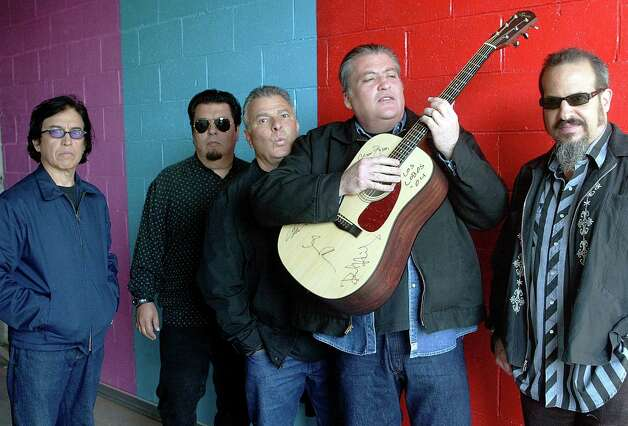 Los Lobos: The band from East L.A. can tear it up, but for this show 