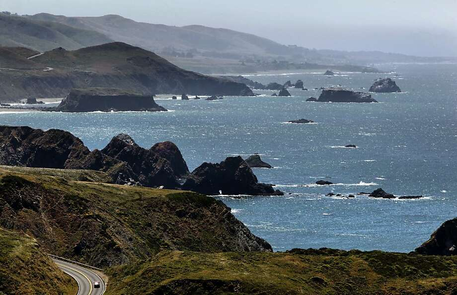 The rocky shoreline of the Sonoma County, Ca. coastline, North of Jenner. Two Bay Area men diving for abalone died over the weekend in separateincidents. Photo: Michael Macor, The Chronicle