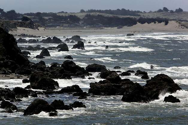 The rocky shoreline of the Sonoma County, Ca. coastline, North of Bodega Bay, on Friday July 2, 2010. Game wardens have stepped up efforts to catch abalone poachers along the coast. Several poachers have recently been captured in Marin, Sonoma and Mendocino Counties. This is looking South down the coastline. Photo: Michael Macor, The Chronicle