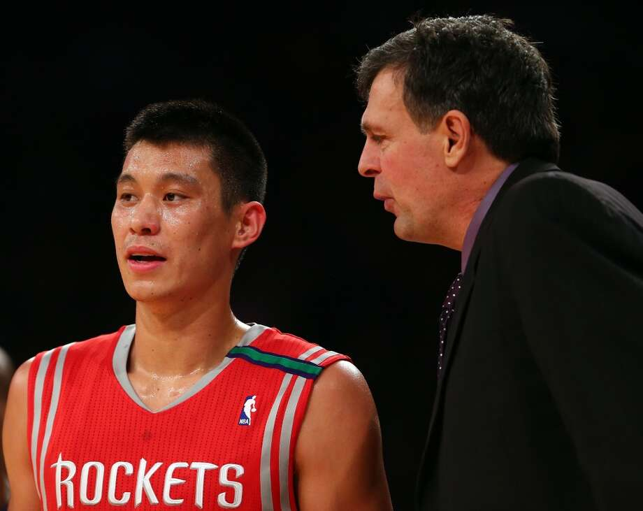Jeremy Lin of the Rockets talks with head coach Kevin McHale. (Getty Images)