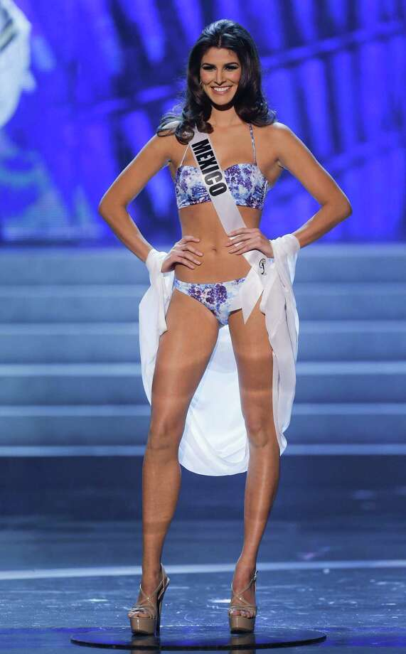 Miss Mexico, Karina Gonzalez, takes center stage as she is named as one of the 10 finalists. Photo: AP