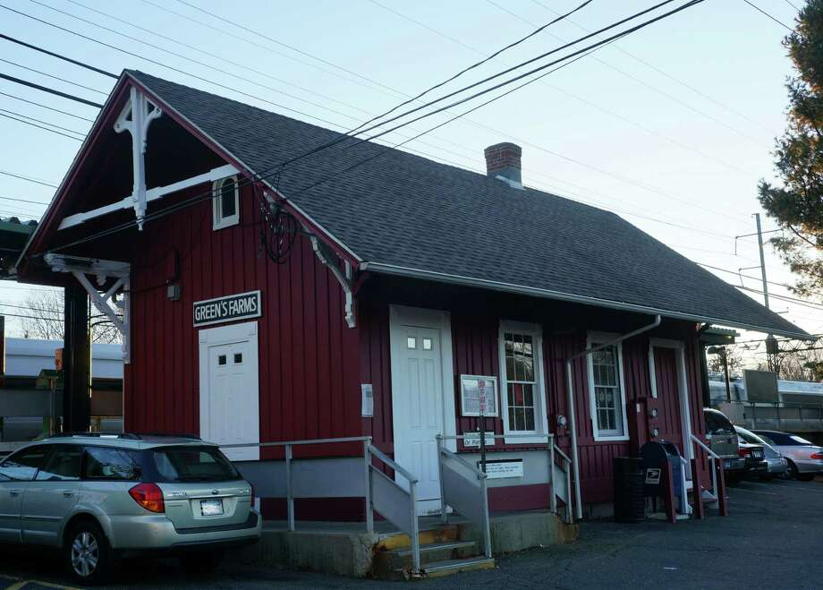 The town has received four bids in response to a request for proposals for a coffee concession at the Green's Farms Metro-North station. Photo: Paul Schott / Westport News