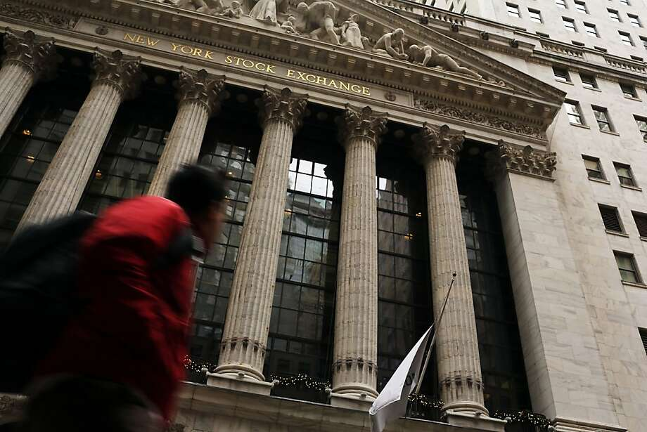 The 200-year-old New York Stock Exchange on Wall Street is selling itself for $2.8 billion less than what was offered in a hostile bid by the same suitor, the IntercontinentalExchange, less than two years ago. Photo: Spencer Platt, Getty Images