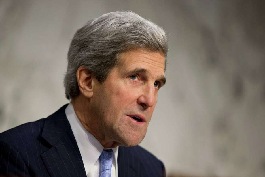 Patriots fan John Kerry will be rooting for the 49ers on Sunday.  Photo: J. Scott Applewhite, STF / AP