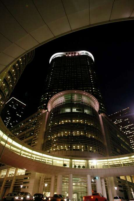 The  Chevron Corporation building, which used to be the 'new Enron building in downtown Houston.  01/26/06  (Nick de la Torre/Chronicle) Photo: Nick De La Torre, STAFF / Houston Chronicle