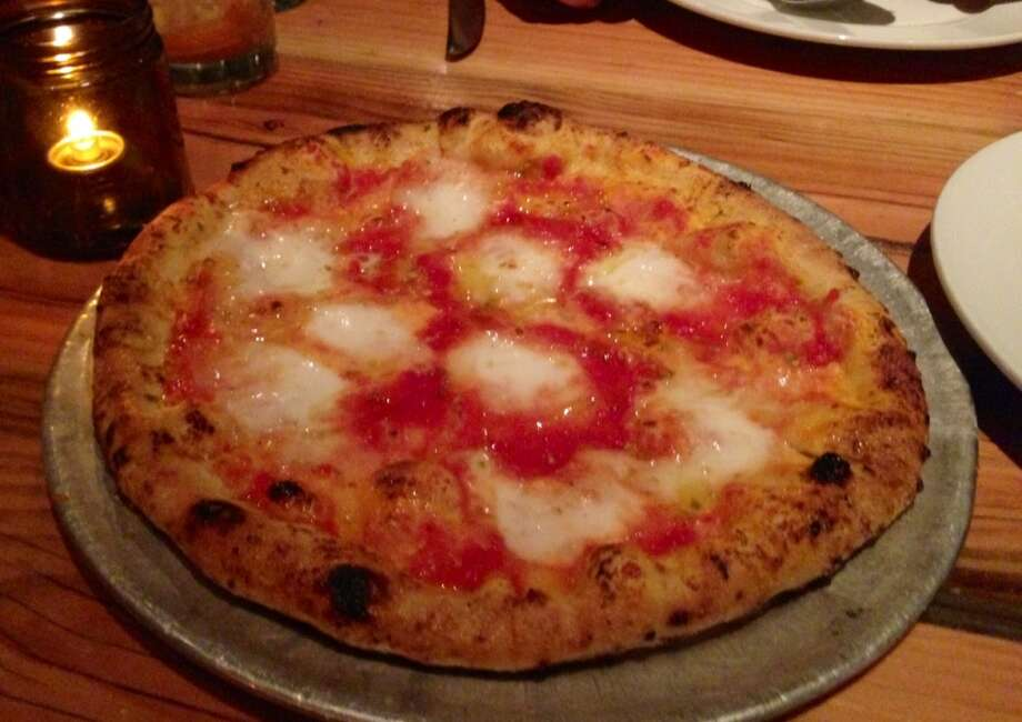 Margherita pizza at Oenotri in Napa