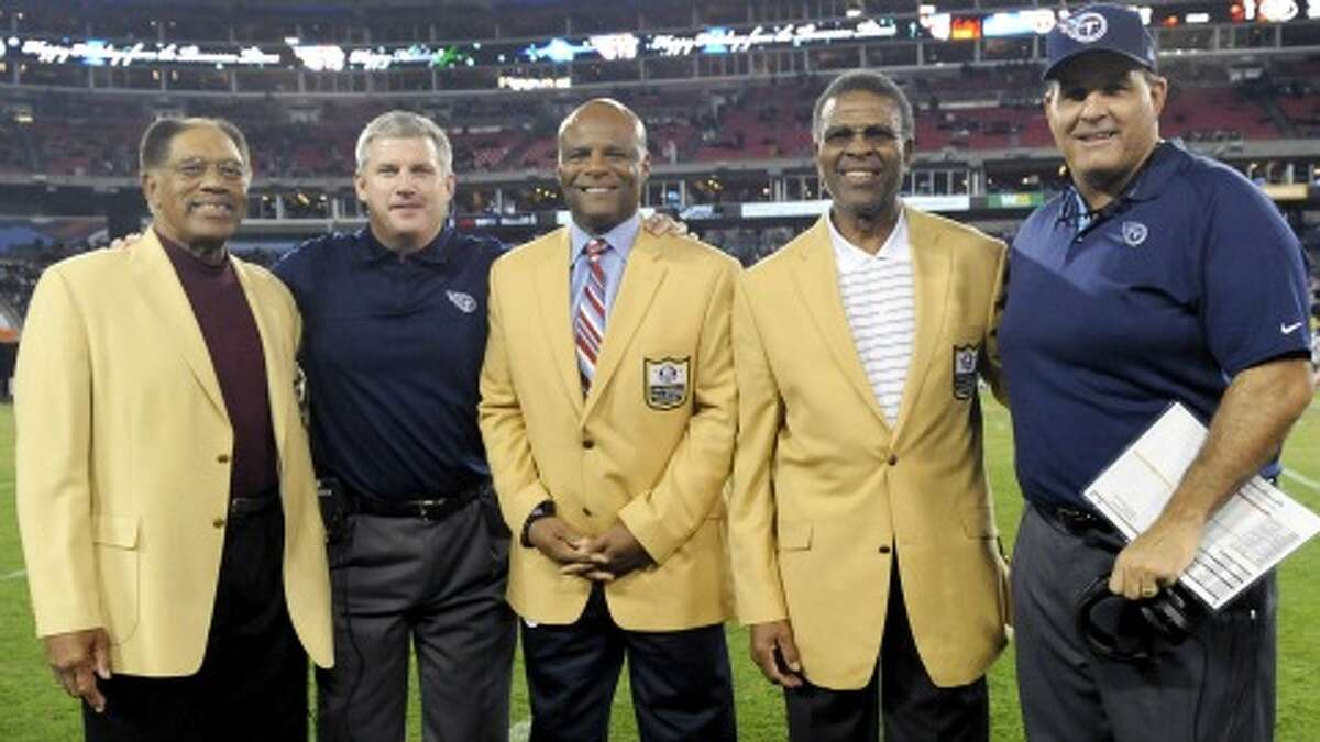 Former Oilers Hall of Famers, from left, Elvin Bethea, Mike Munchak, Warren Moon, Ken Houston and Bruce Matthews were together before the Titans' game against the Jets. (Photo courtesy Tennessee Titans)