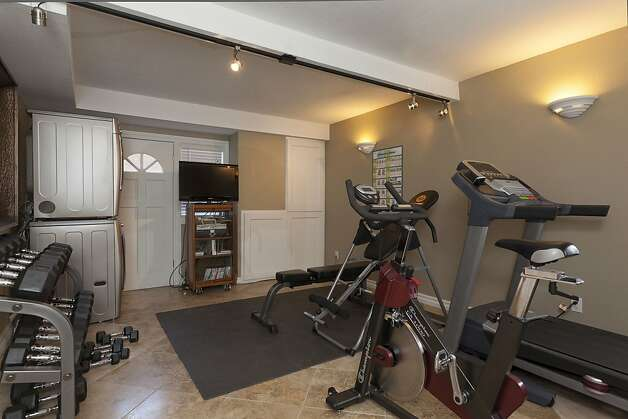 The home has space for a gym or workout area. Photo: Scott Hargis/SF