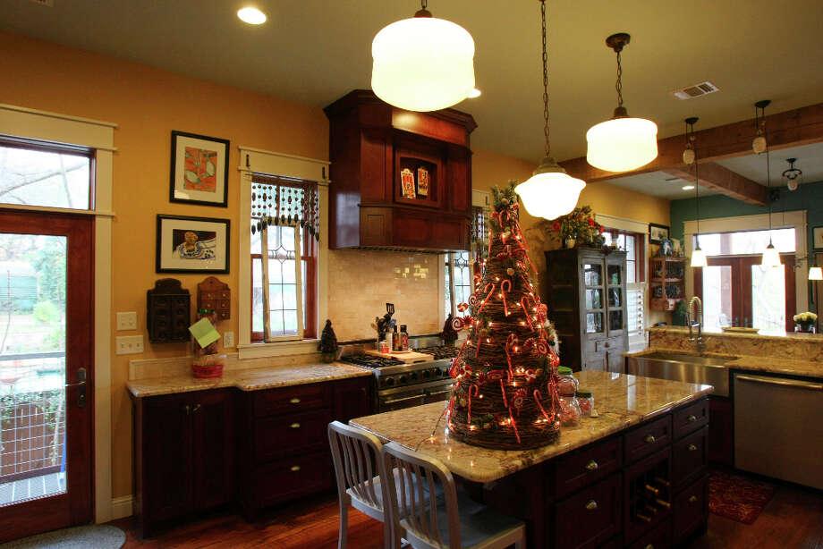 Kitchen in the Scherrer's  home in New Braunfels. Photo: Helen L. Montoya, San Antonio Express-News / ©SAN ANTONIO EXPRESS-NEWS