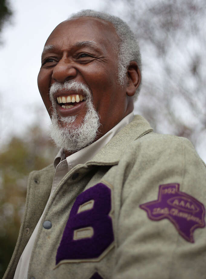 Claudus Minor played tackle and long snapper on the 1962 Brackenridge High School football team that captured the 4A state championship crown. Photo: Kin Man Hui, San Antonio Express-News / ©2012 San Antonio Express-News