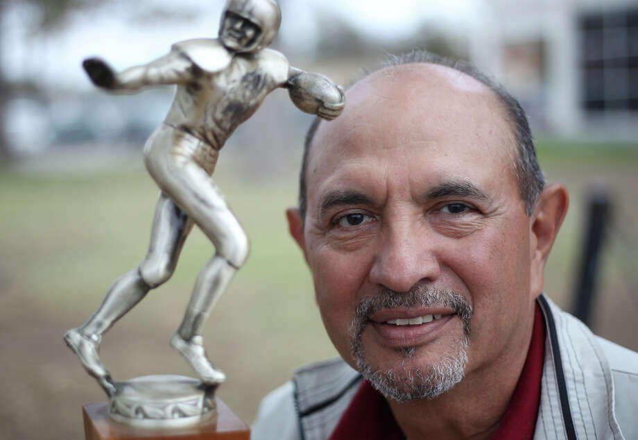 Johnny Pesina played offensive and defensive end on the 1962 Brackenridge High School football team that captured the 4A state championship crown. Photo: Kin Man Hui, San Antonio Express-News / ©2012 San Antonio Express-News