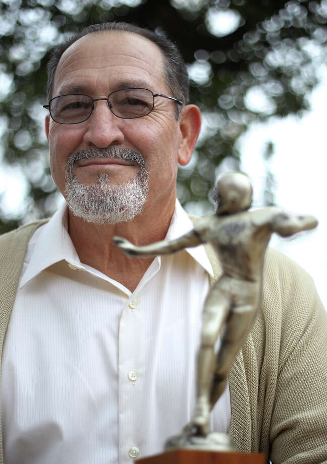 Ejidio Villarreal played defensive linebacker and offensive end on the 1962 Brackenridge High School football team that captured the 4A state championship crown. Photo: Kin Man Hui, San Antonio Express-News / ©2012 San Antonio Express-News