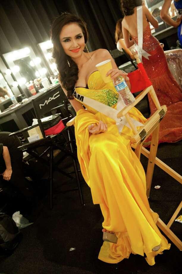 Miss Vietnam, Diem Huong Luu, backstage. Photo: Valerie Macom, Miss Universe Organization / Miss Universe Organization